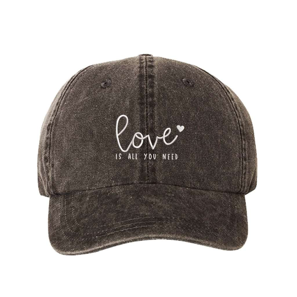 Black washed hat with love is all you need embroidered in white- DSY Lifestyle
