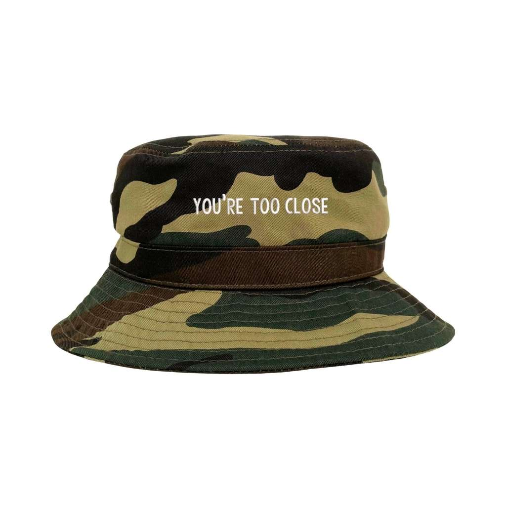 You're too close camo bucket hat DSY Lifestyle