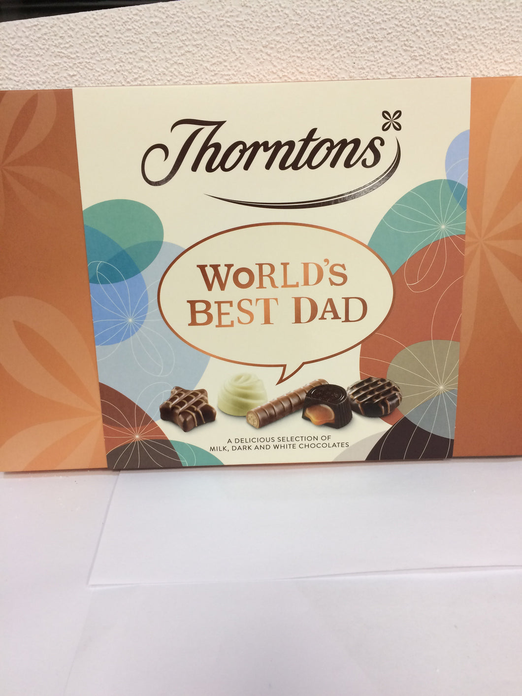 Thorntons Chocolate Selection 189g - Worlds Best Teacher