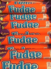 60x Cadbury Fudge Chocolate Bars (60x25.5g Standard Bars)
