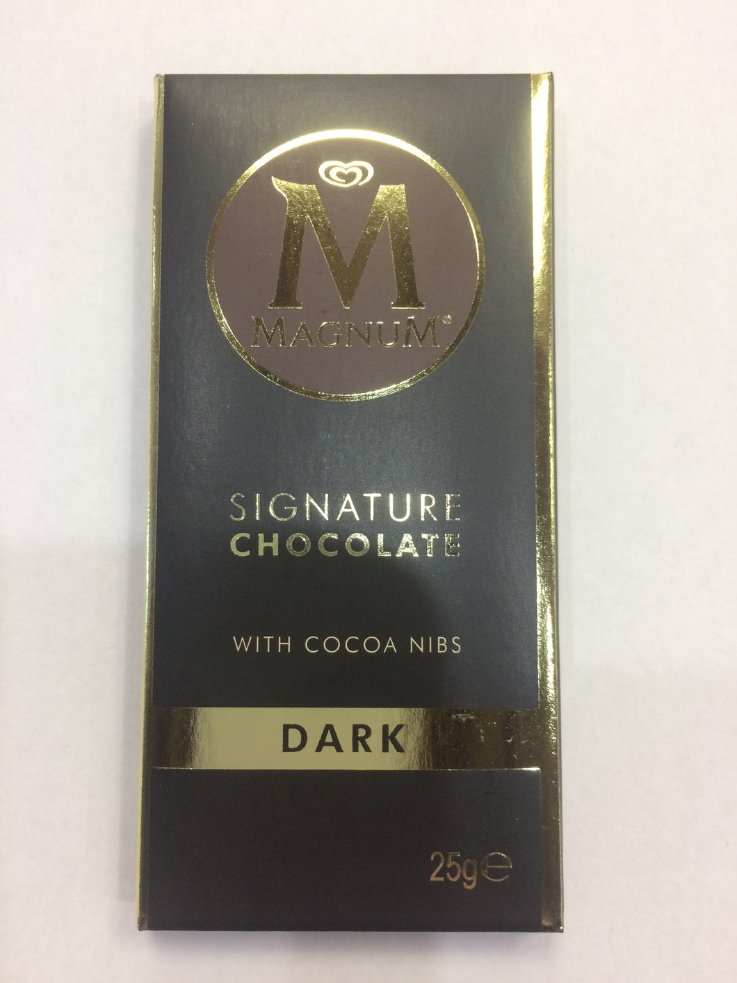Magnum Signature Dark Chocolate Bar 25g