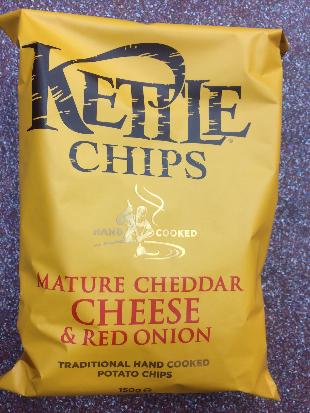 Kettle Chips Mature Cheddar & Red Onion 150g Bag