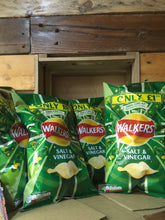 4x Packets of Walkers Salt & Vinegar Crisps Sharing Bag (4x75g)