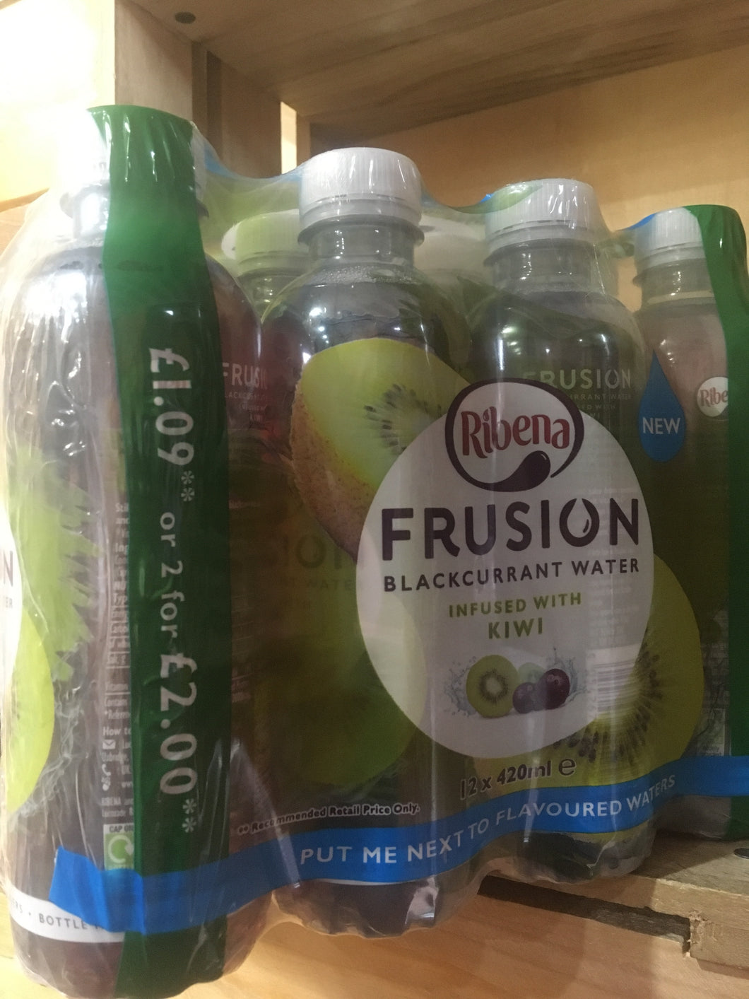 12x Ribena Frusion Blackcurrant Water Infused with Kiwi (12x420ml)