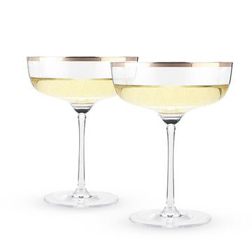 Cocktail Glasses and what you should put in them