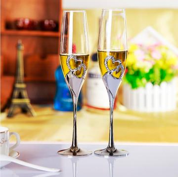 Champagne Flutes are beautiful, but do they enhance the flavor of the wine?