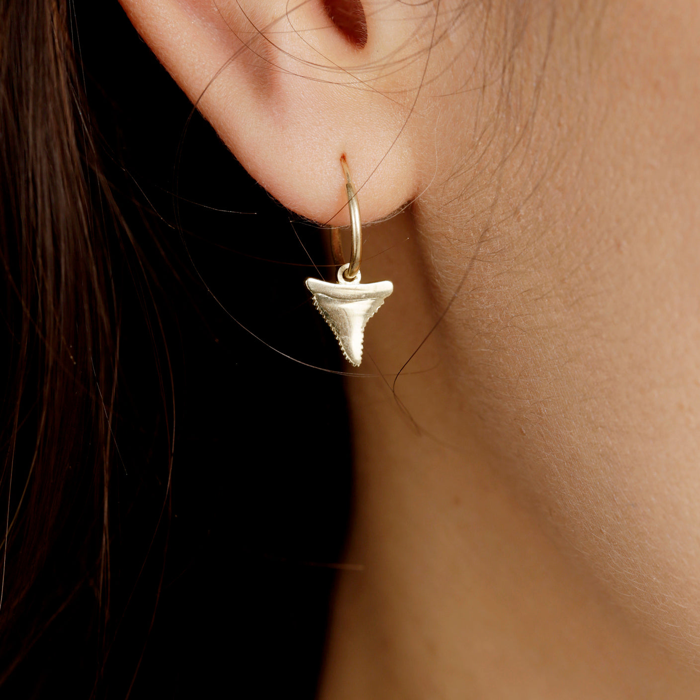 SHARK TOOTH EARRING