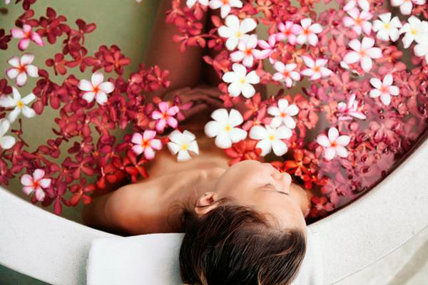 Bath Rituals: 4 Easy DYI Detoxes