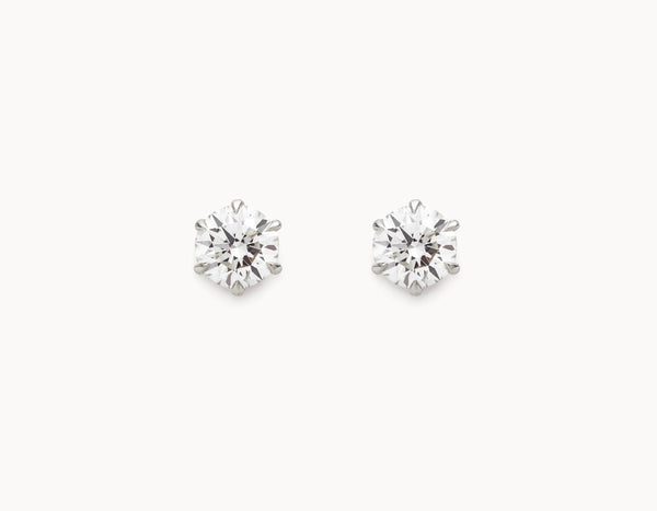 Vrai & Oro Black Label Round Brilliant Diamond Studs