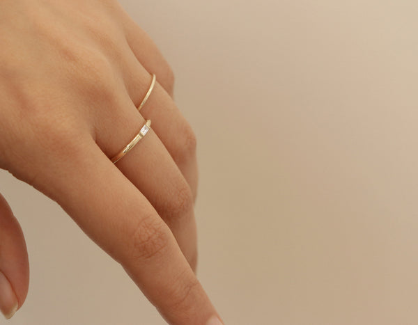 Minimal Vrai & Oro 14k Solid Yellow Gold Baguette Diamond Ring