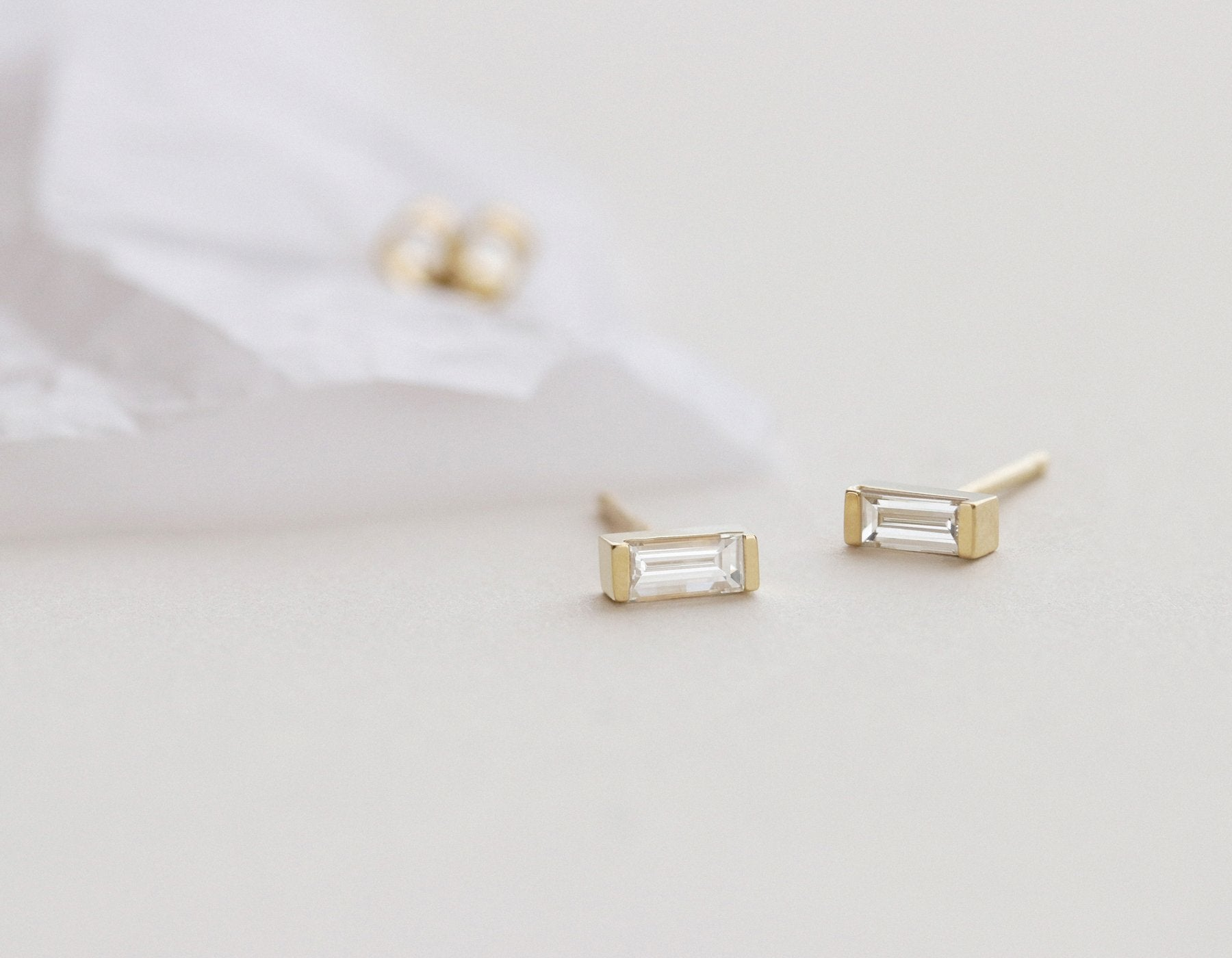 makri in mak product designers ray baguette gold diamond triple zoom ileana earrings
