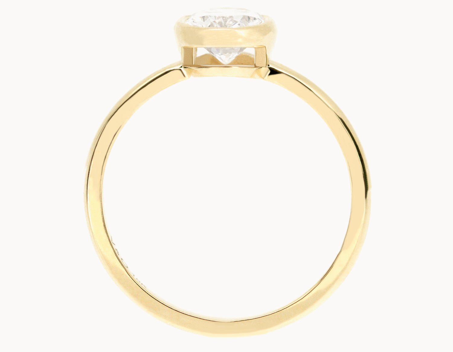 The Oval Bezel - 18k Yellow Gold