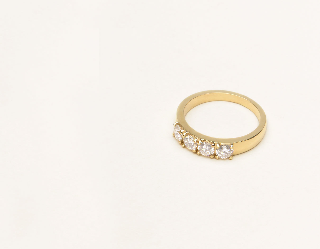 Vrai & Oro Simple Round Brilliant Cut Diamond Tetrad Band in 14k solid yellow gold