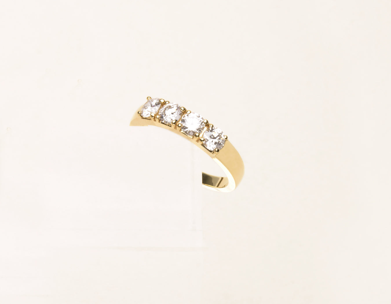 Vrai & Oro Classic Round Brilliant Cut Diamond Tetrad Ring in 14k solid yellow gold
