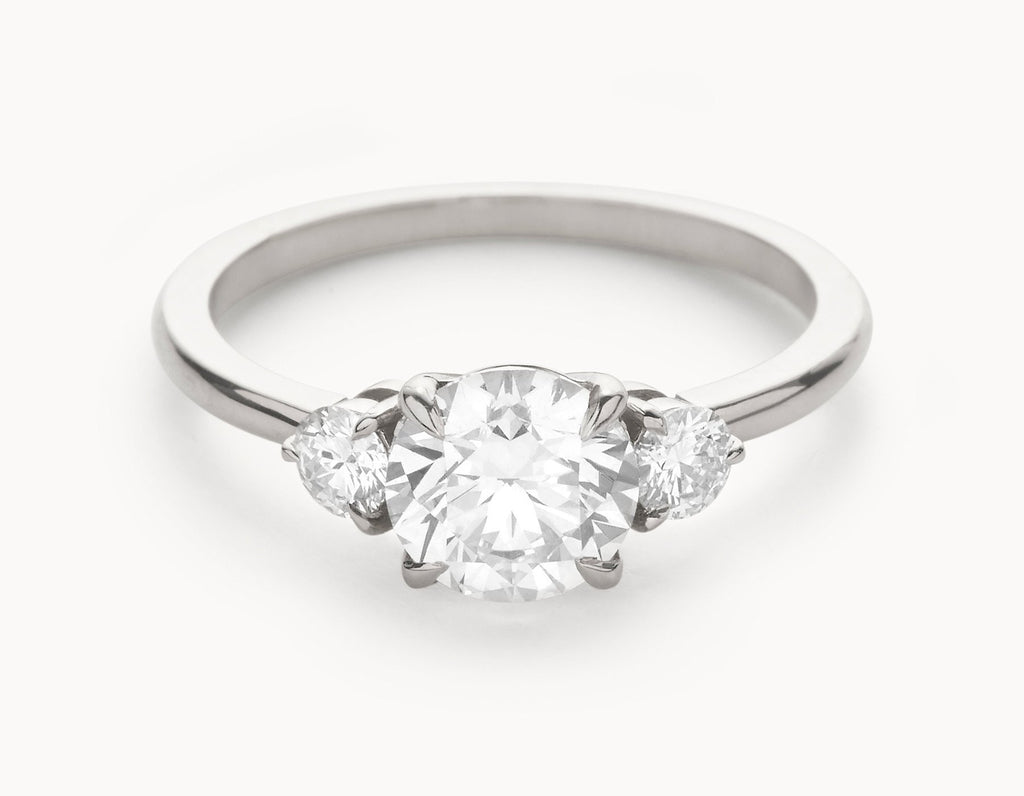 The Three Stone Engagement Ring 18k White Gold Vrai Oro Wedding