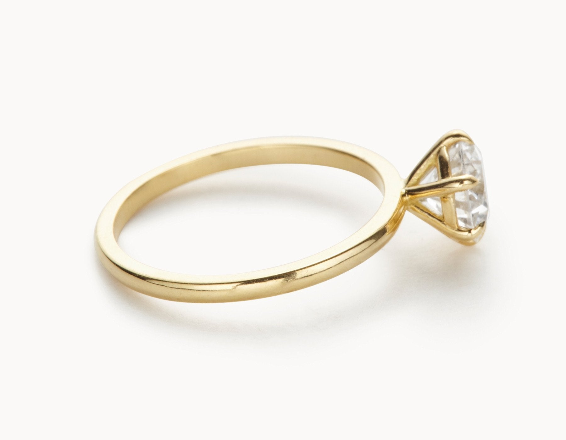 Modern 18k Yellow Gold Solitaire Round Brilliant Diamond Engagement Ring