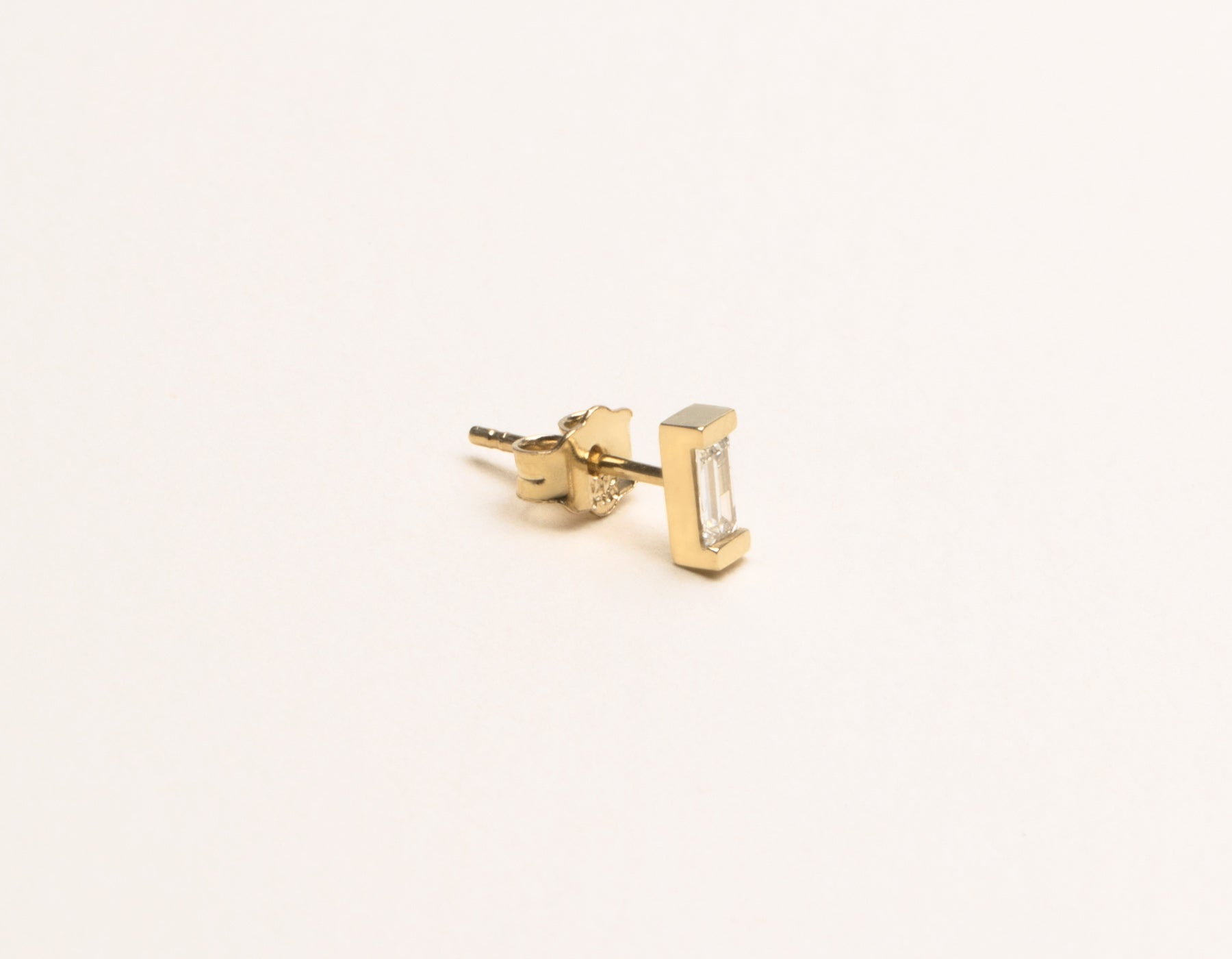 Minimal Vrai & Oro 14k Solid Yellow Gold Baguette Diamond Earring