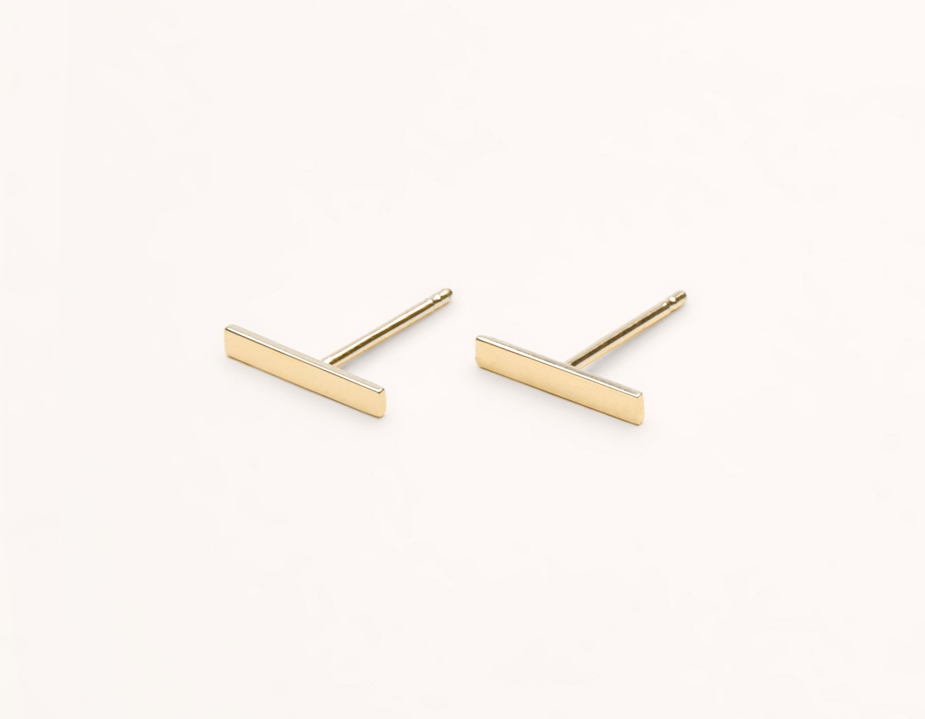 Minimal Vrai & Oro 14k Solid Yellow Gold Line Stud Earring
