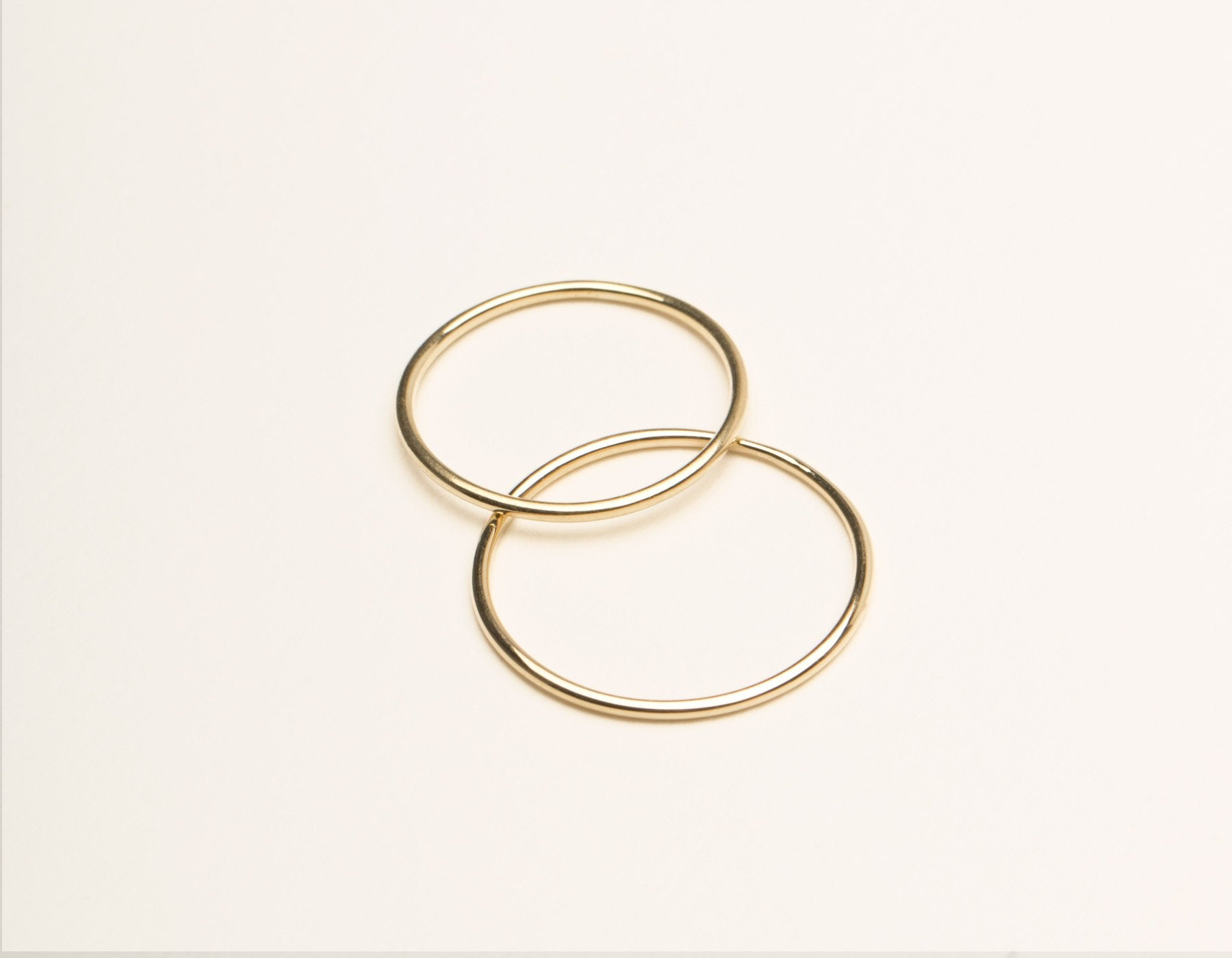Simple Vrai & Oro 14k Solid Yellow Gold Skinny Stacking Ring