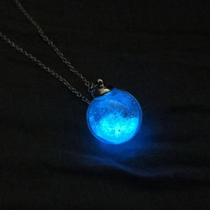 Glow In The Dark Dandelion Necklace - Trendiscovery