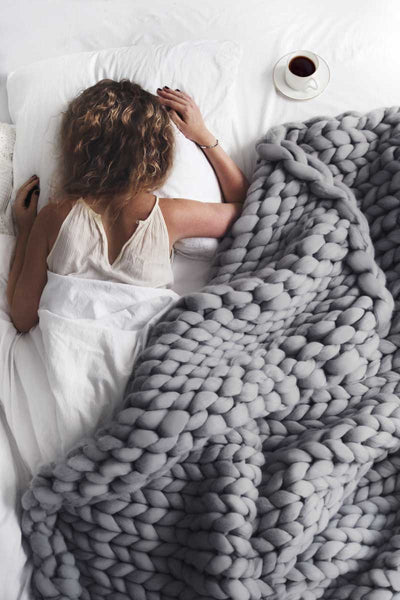 Large Extreme Chunky Braid Blanket