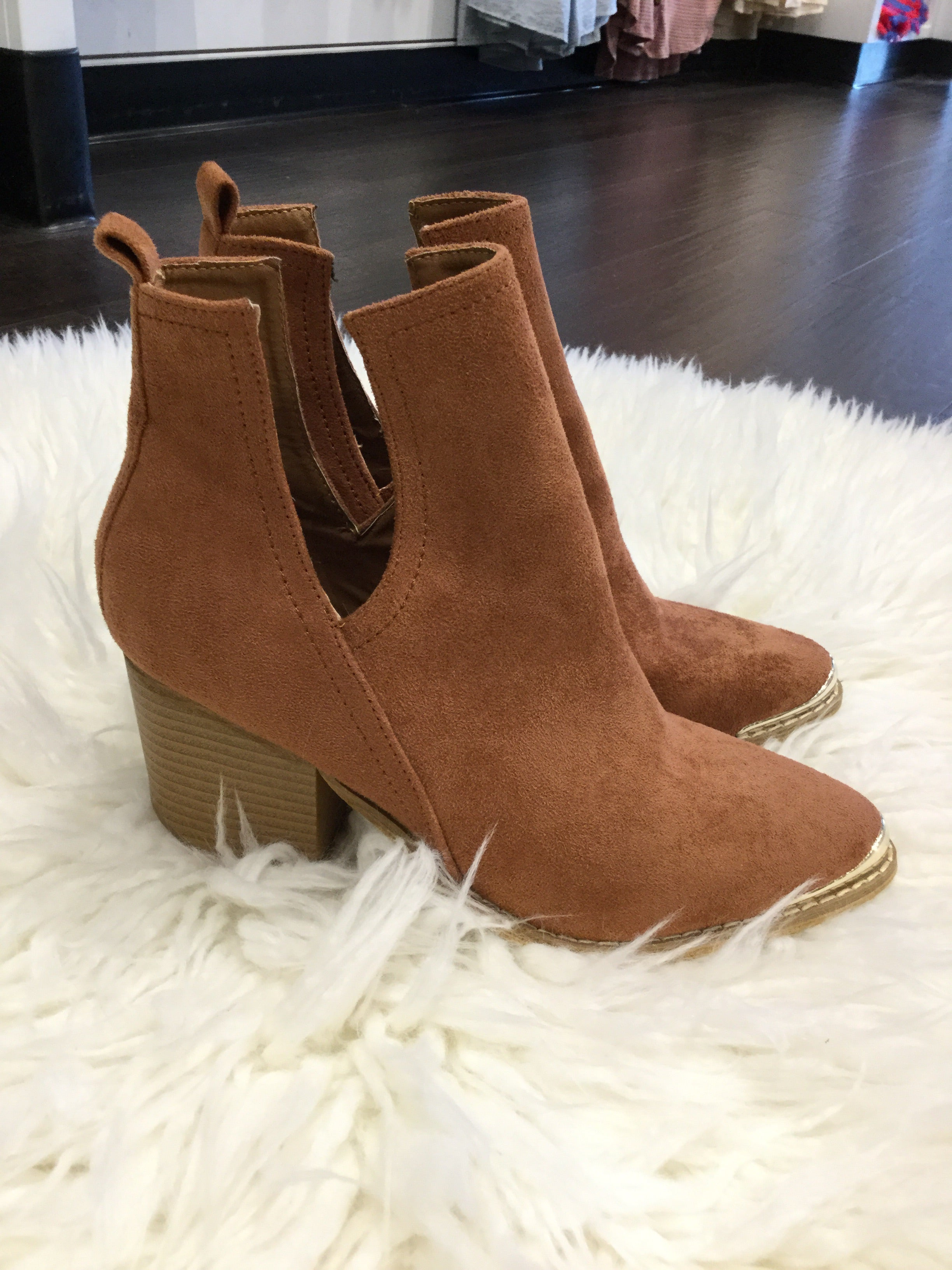 Mi.Mi Brown Booties