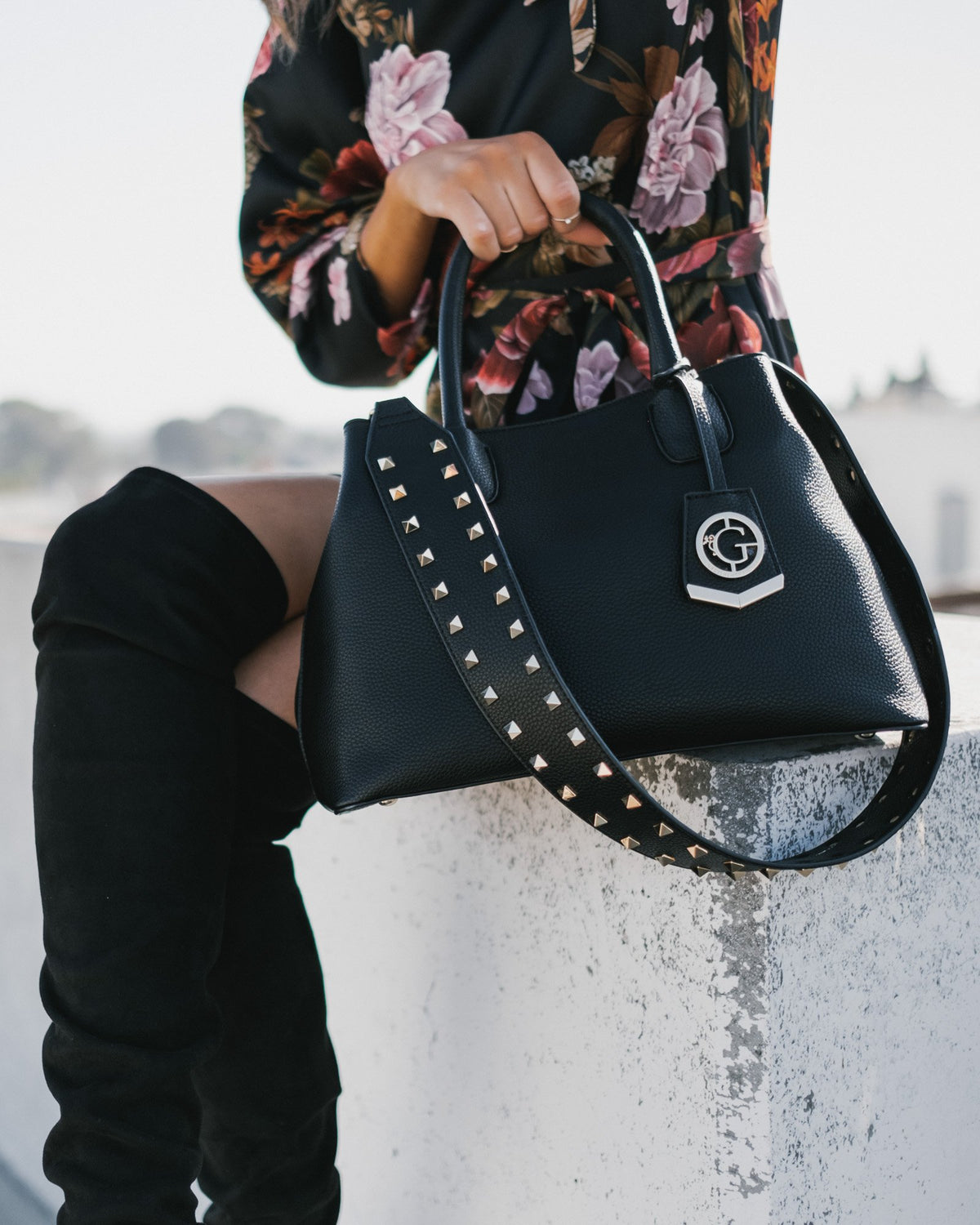 Celeste - Shoulder Bag in Black