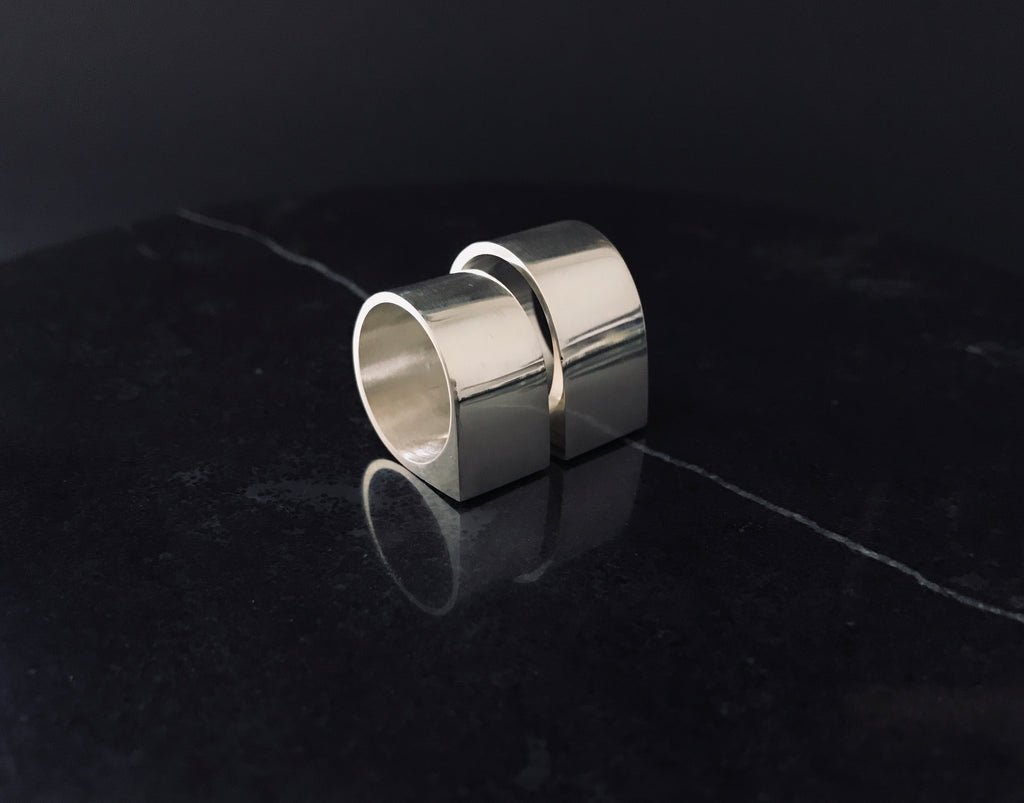 WOMEN'S VOLTAGE RING