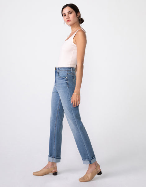 WILLA High Rise Vintage Mom Fit in Nevermind