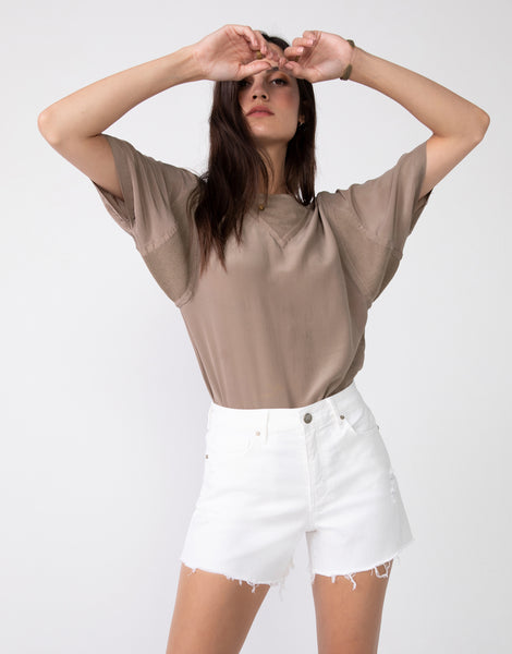 EMMA High Waist Short in Chalk