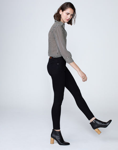 KORA Mid Rise Skinny in Blackout