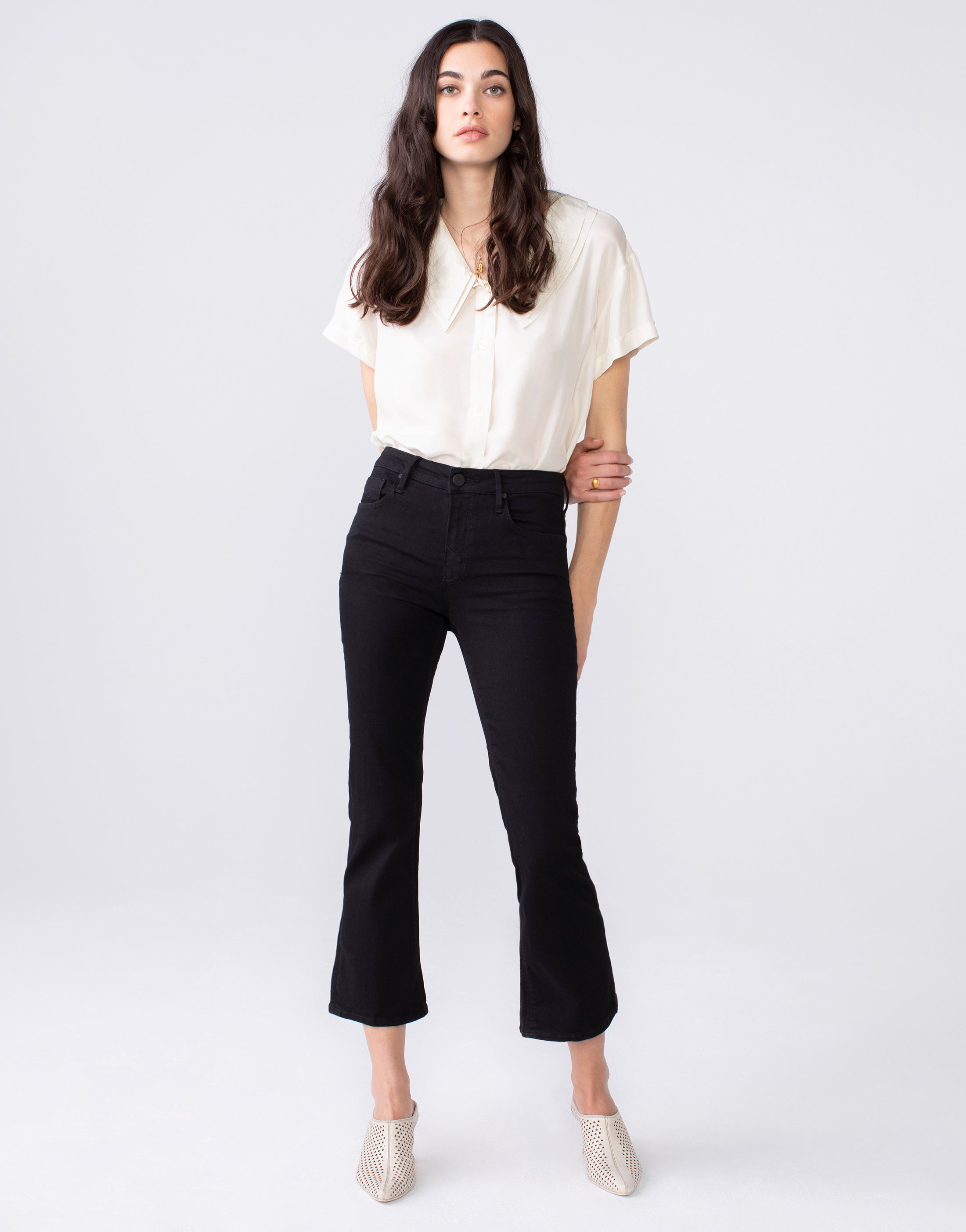 MARGAUX Cropped Demi Flare in Noir