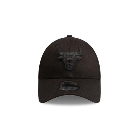 NEW ERA CHICAGO BULLS BLACK ON BLACK 9FORTY CAP
