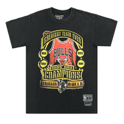 MITCHELL AND NESS MEN'S GREATEST TEAM EVER: CHICAGO BULLS VINTAGE WASH BLACK TEE