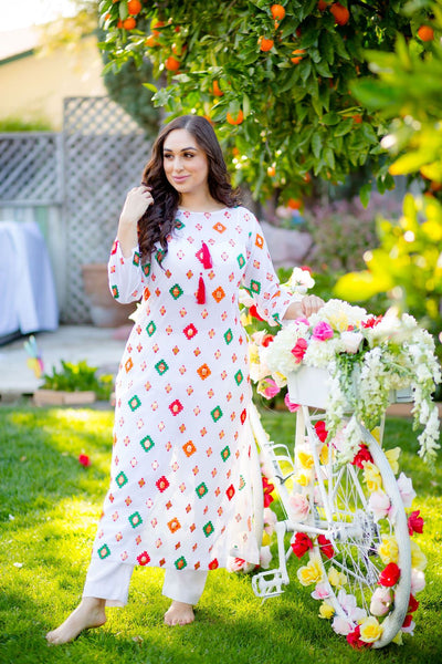 Shalwar Suit for apple body type