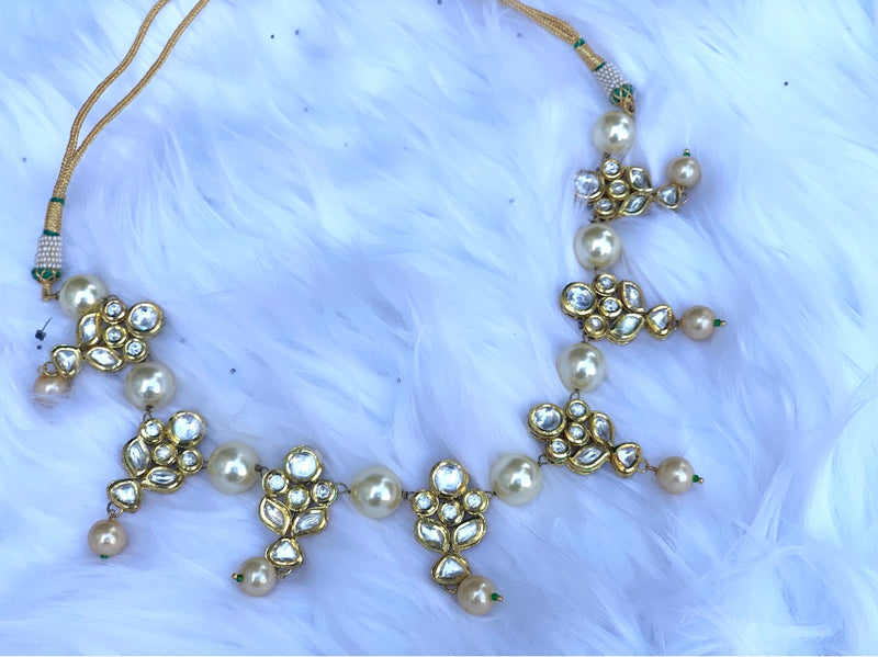 Aaria Kundan Necklace Set with Pearls - bAnuDesigns