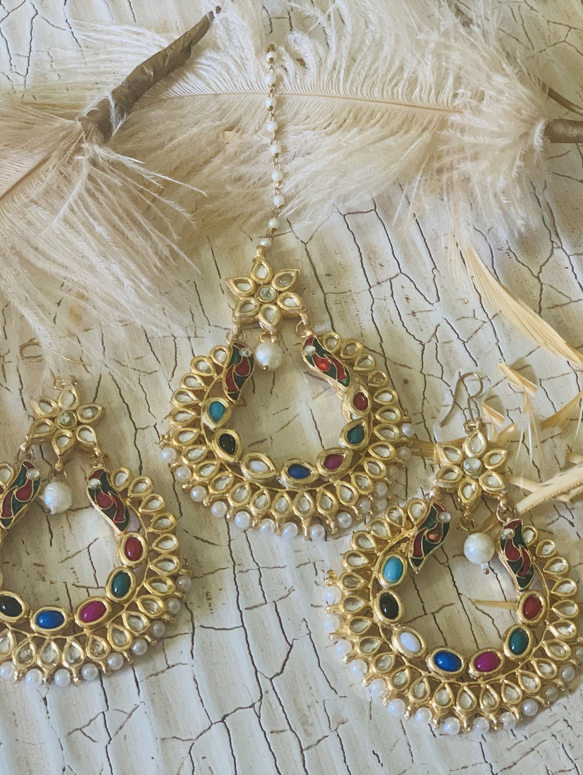 Sahar Earrings & Tikka Set - bAnuDesigns