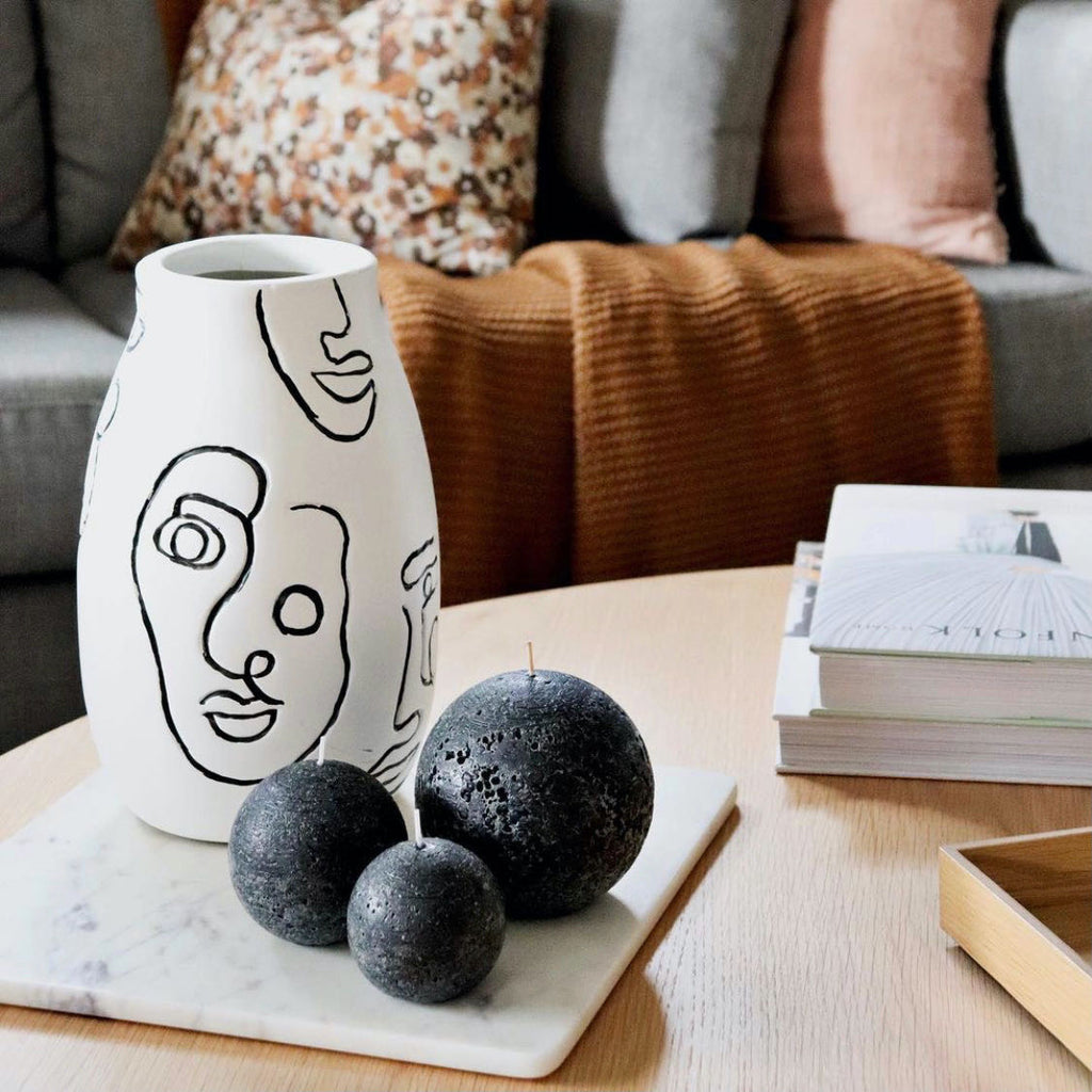 Sculptural candles styling