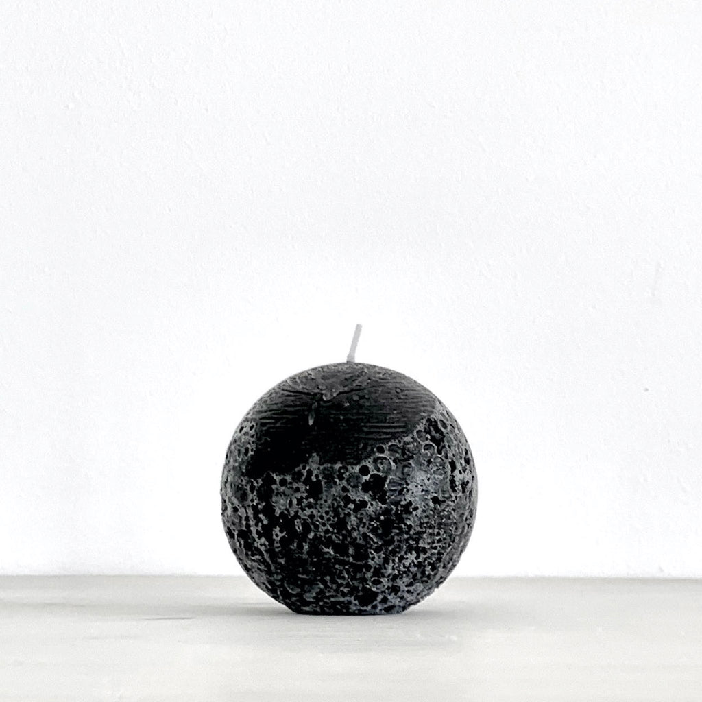 Black ball candle