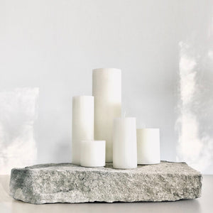 White sculptural pillar candle set