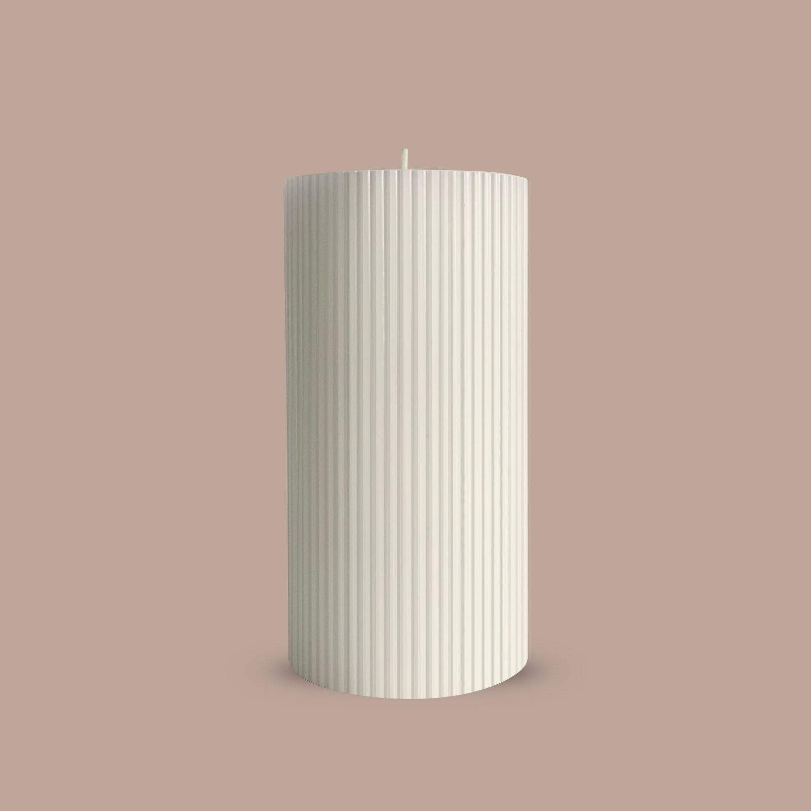 White ripple column candle