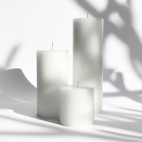 White pillar candle gift set
