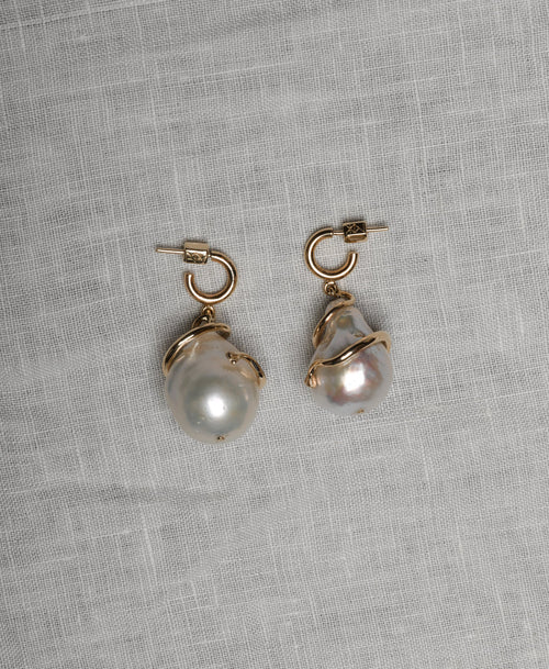 Medusa Coiled Pearl Earrings