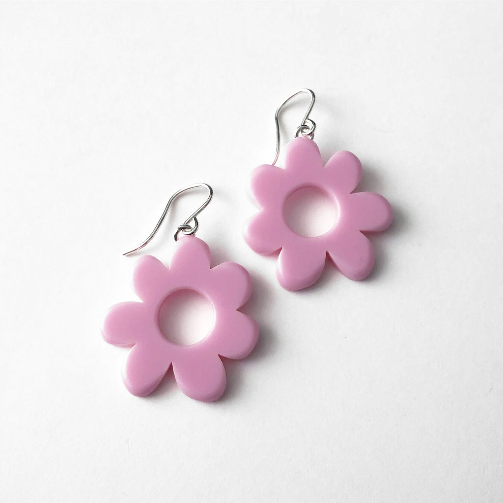 small mod flower earrings in lilac