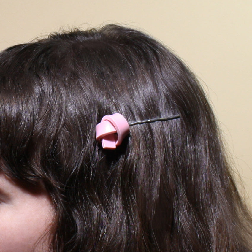 plastic bobby pin in gum pink