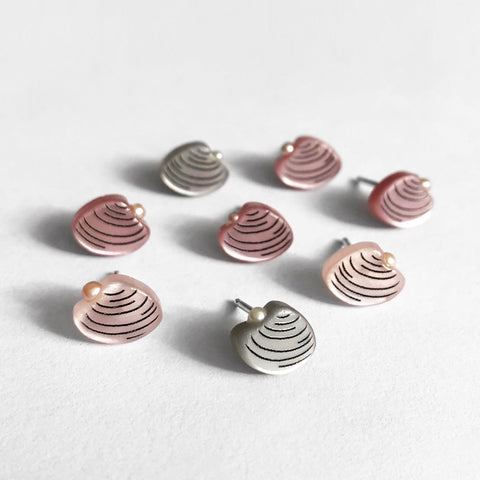 acrylic clam shell earrings