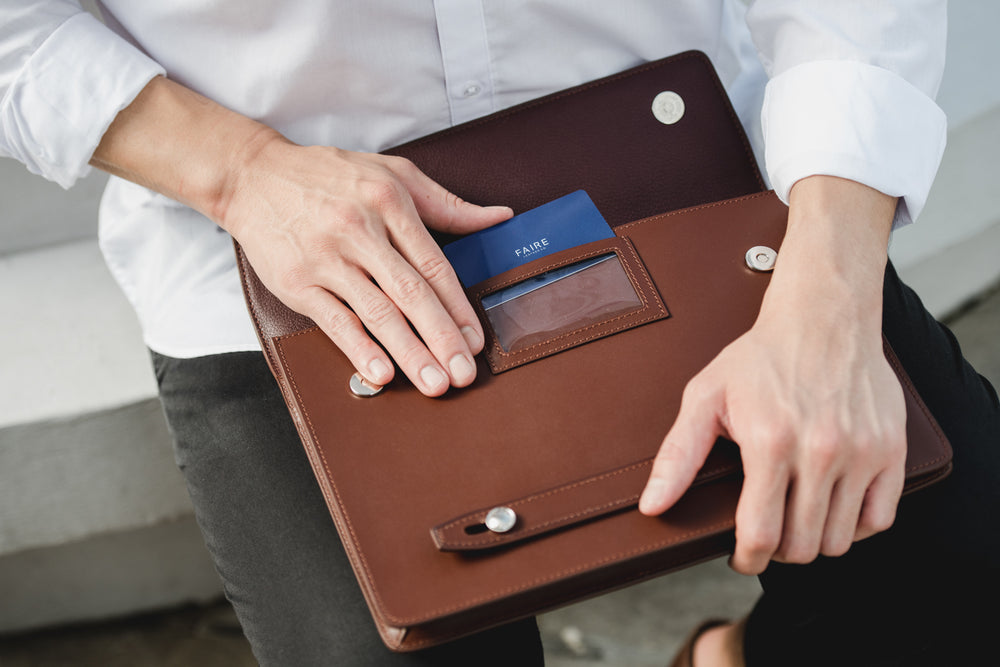 Card slot for easy scanning of travel/access cards