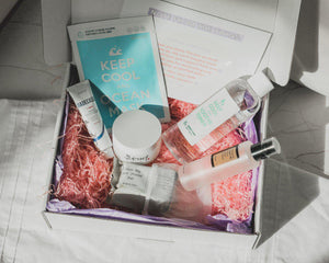 Q2HAN KOREAN BEAUTY BOX KEEP COOL BENTON COSRX 23 YEARS OLD BEAUTY OF JOSEON UK