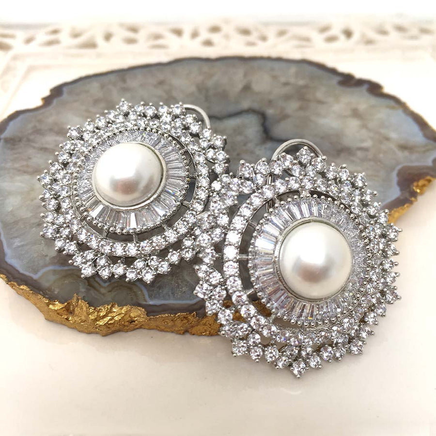 Exquisite Round Earrings