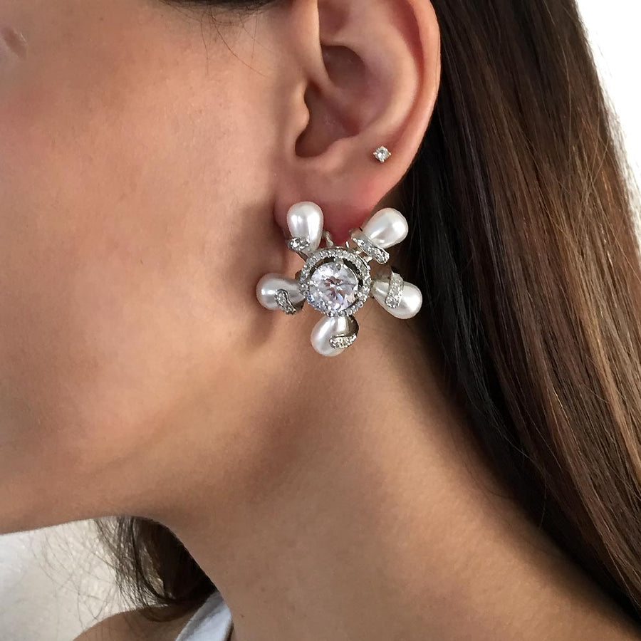 Twirl Solitaire Earrings